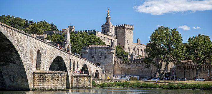Planifier un séjour touristique à Avignon
